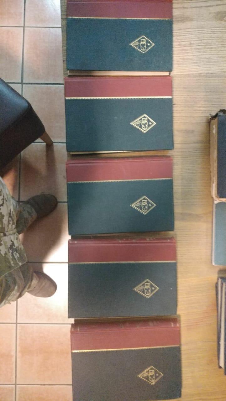 На кордоні Закарпаття у пасажирки вилучили радянські енциклопедії та колекцію марок (ФОТО), фото-6