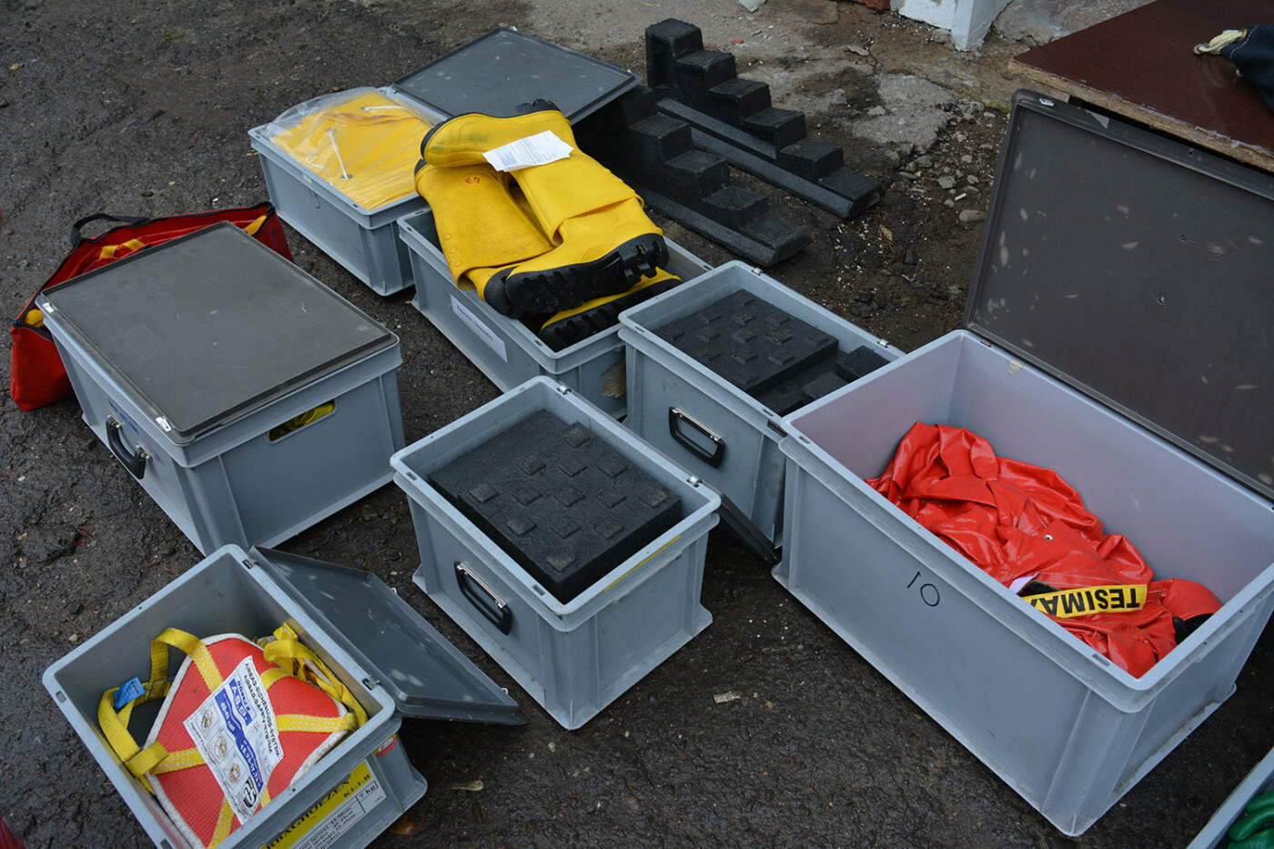 Допомога Нідерландів: ужгородські рятувальники отримали обладнання та спорядження європейського взірця, фото-3