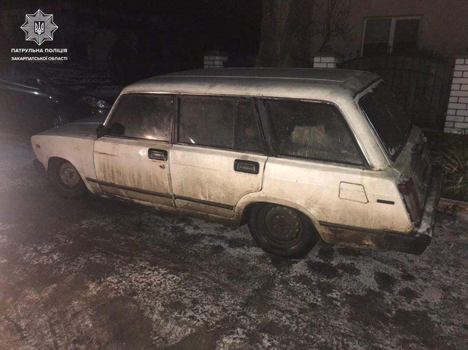 На Ужгородщині квартет неповнолітніх викрав авто
