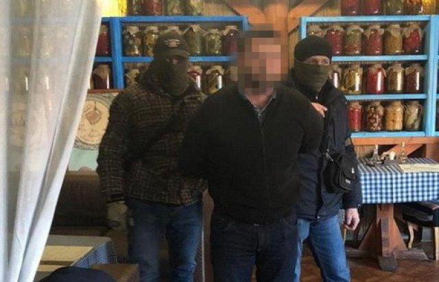 Оприлюднили ім'я затриманого на хабарі керівника облавтодору Закарпаття (ФОТО), фото-2