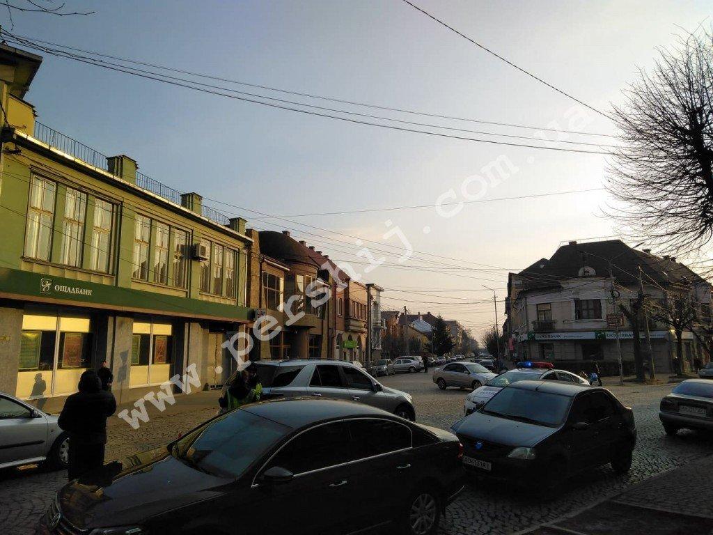 В центрі Мукачева дитина потрапила під колеса авто (ФОТО), фото-1