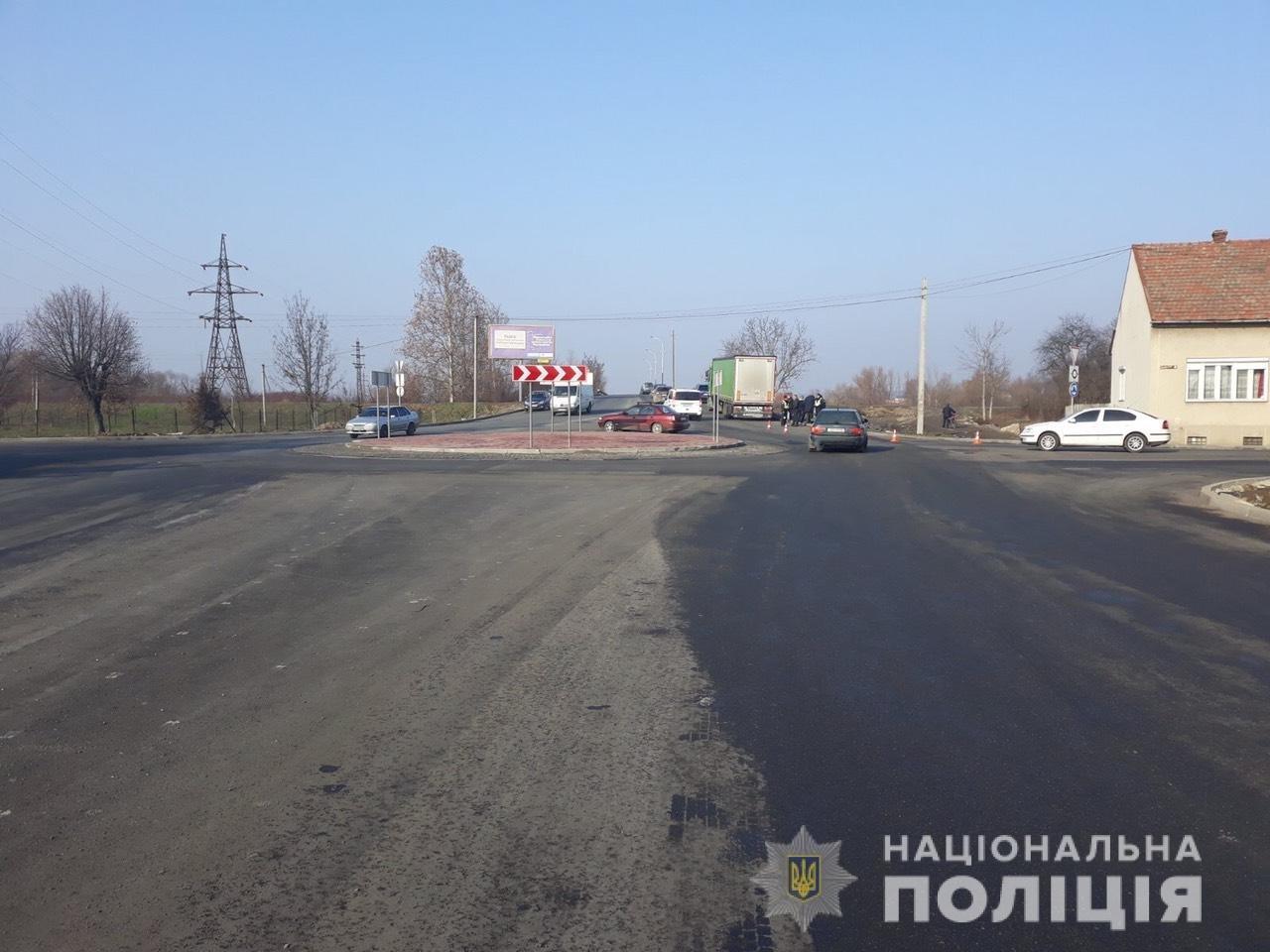 Пішохід, якого в Мукачеві збила вантажівка, помер у лікарні (ФОТО), фото-1