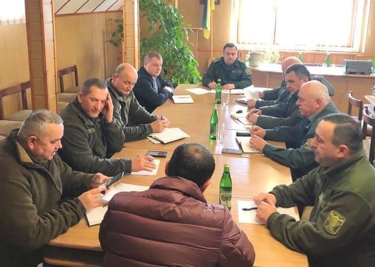 На Рахівщині лісники домовлялись з поліцією про посилення боротьби з браконьєрством та незаконними рубками, фото-1