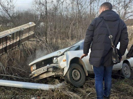 Неподалік Ужгорода автівка злетіла в кювет (ФОТО, ВІДЕО), фото-2