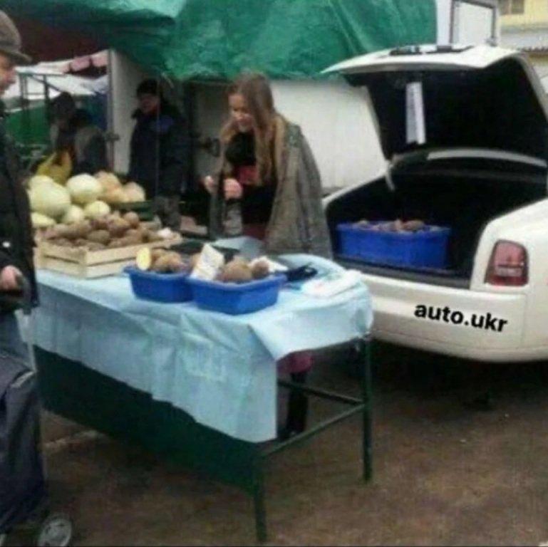 Напродавали. Продавці картоплі приїхали на ринок на Rolls-Royce (ФОТО), фото-2