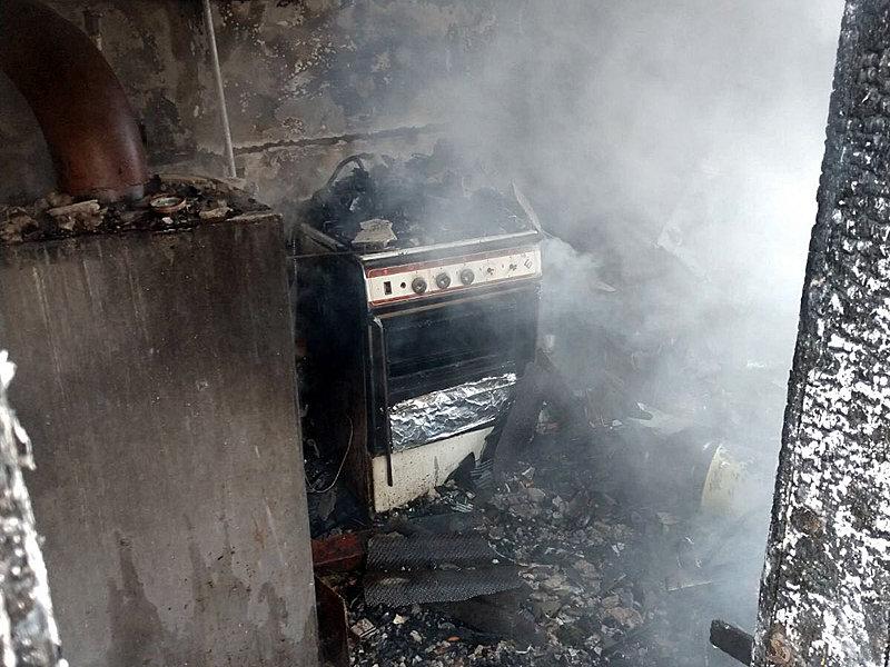 На Закарпатті пожежа в прибудові ледь не знищила будинок (ФОТО), фото-1