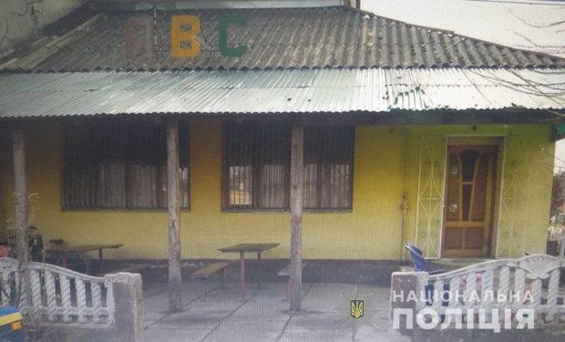 Украли 20 тисяч та блоки цигарок: на Закарпатті троє підлітків 14-15 років пограбували магазин, фото-1
