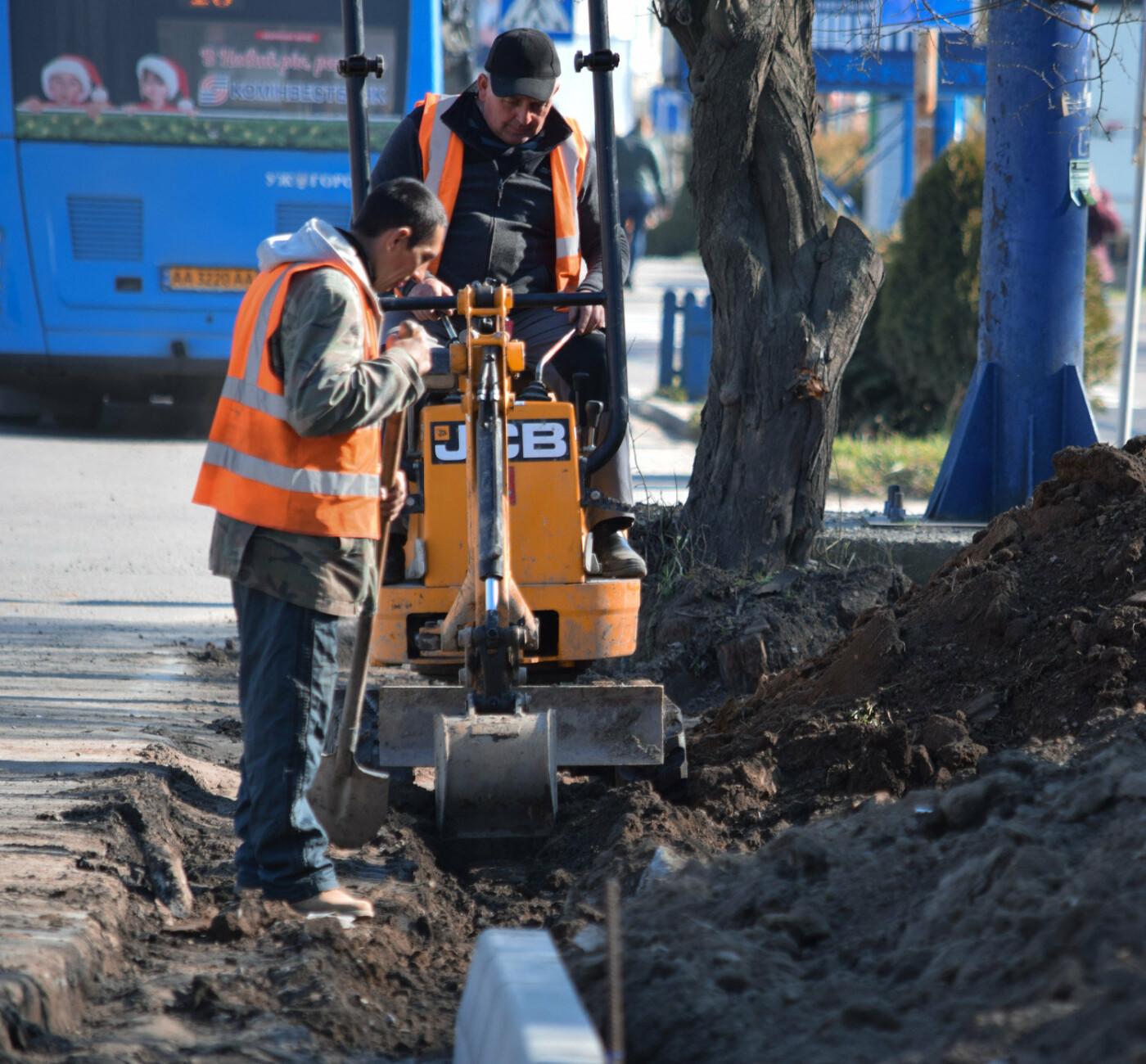 В Ужгороді триває капітальний ремонт розворотних майданчиків для автобусів (ФОТО), фото-2