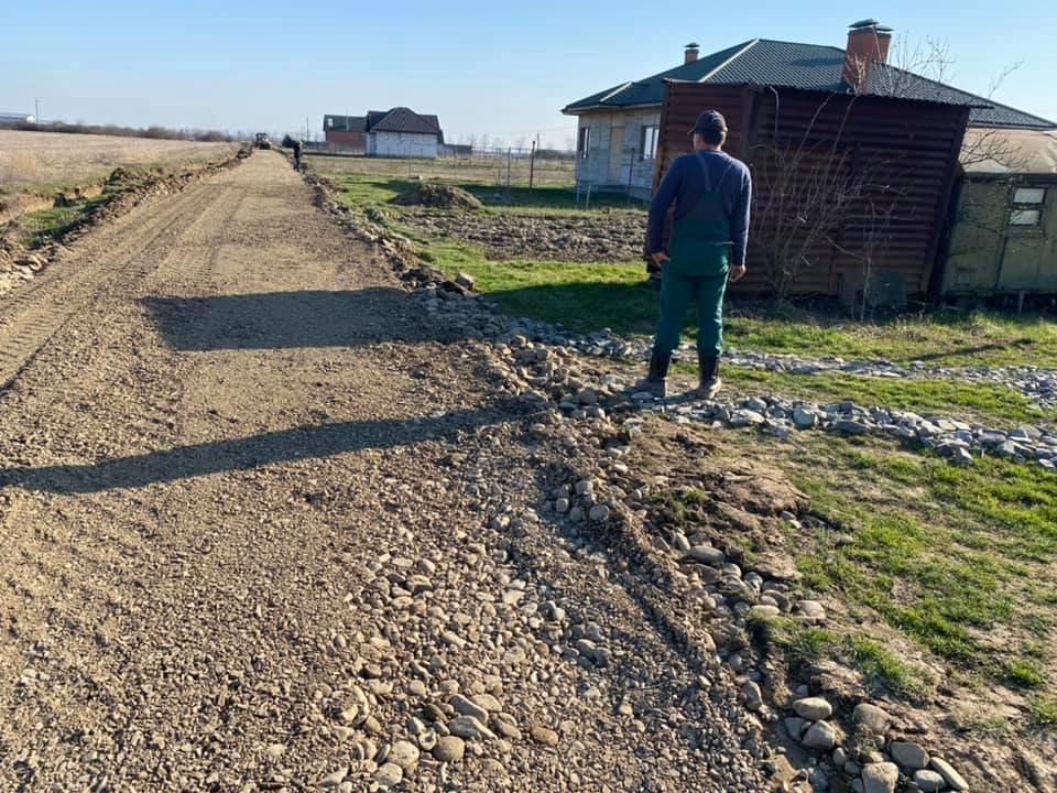 У Часлівцях на одній з вулиць розпочався ремонт дороги (ФОТО), фото-5