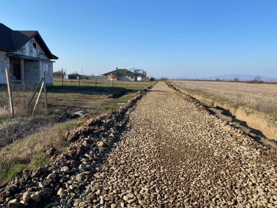 У Часлівцях на одній з вулиць розпочався ремонт дороги (ФОТО), фото-6