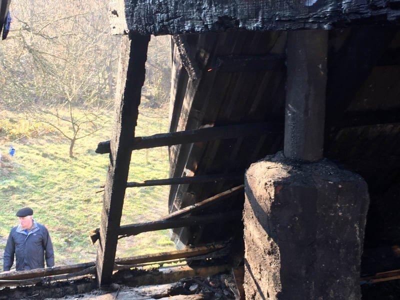 На Закарпатті у вогні ледь не загинули шестеро дітей (ФОТО), фото-2