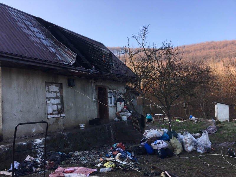 На Закарпатті у вогні ледь не загинули шестеро дітей (ФОТО), фото-1