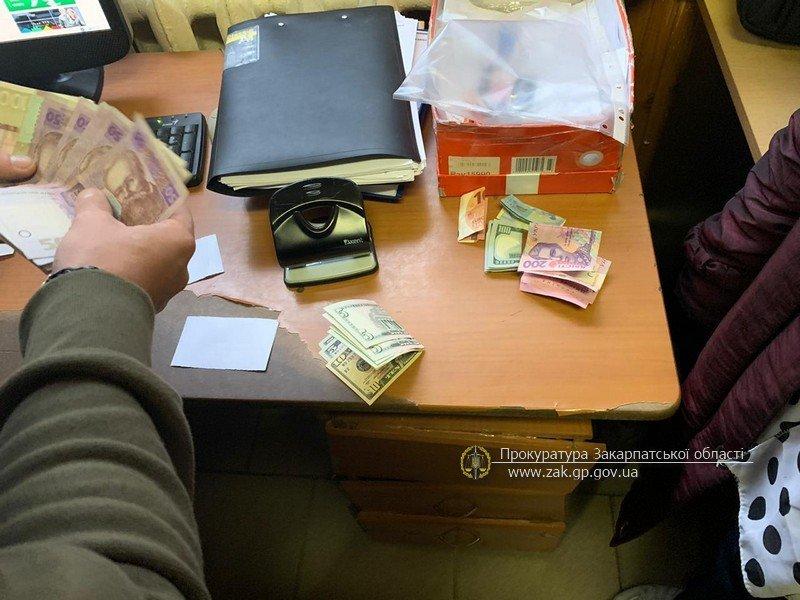 Викрили при отриманні хабаря: 3-х працівників митного посту «Малий Березний» судитимуть , фото-1