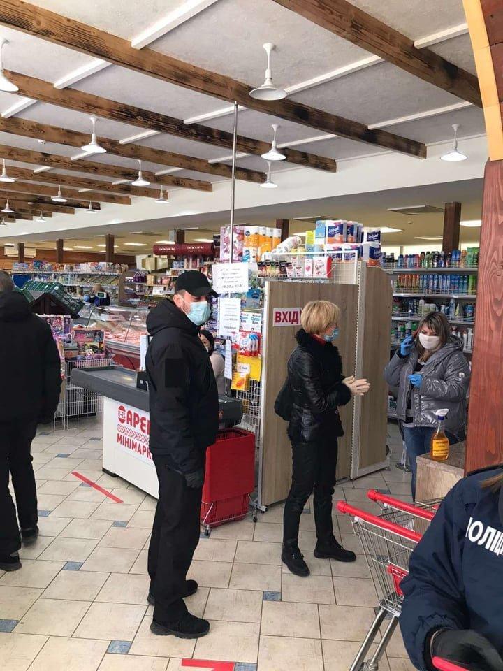 Ужгородські магазини перевірили на дотримання умов та правил карантину (ФОТО), фото-2