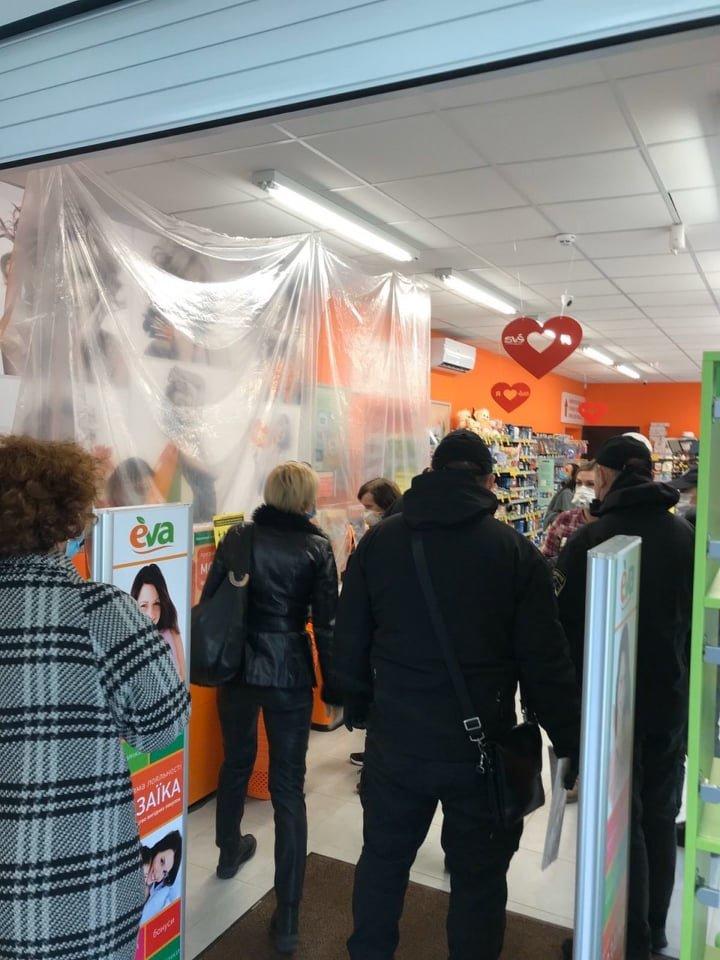 Ужгородські магазини перевірили на дотримання умов та правил карантину (ФОТО), фото-4