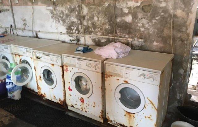 Іржа, пліснява та гнилі труби: стан пральні Хустської лікарні приголомшує (ФОТО), фото-3