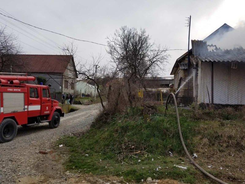 Розтопила піч - залишилася без оселі: вогонь знищив будинок закарпатки  (ФОТО), фото-4