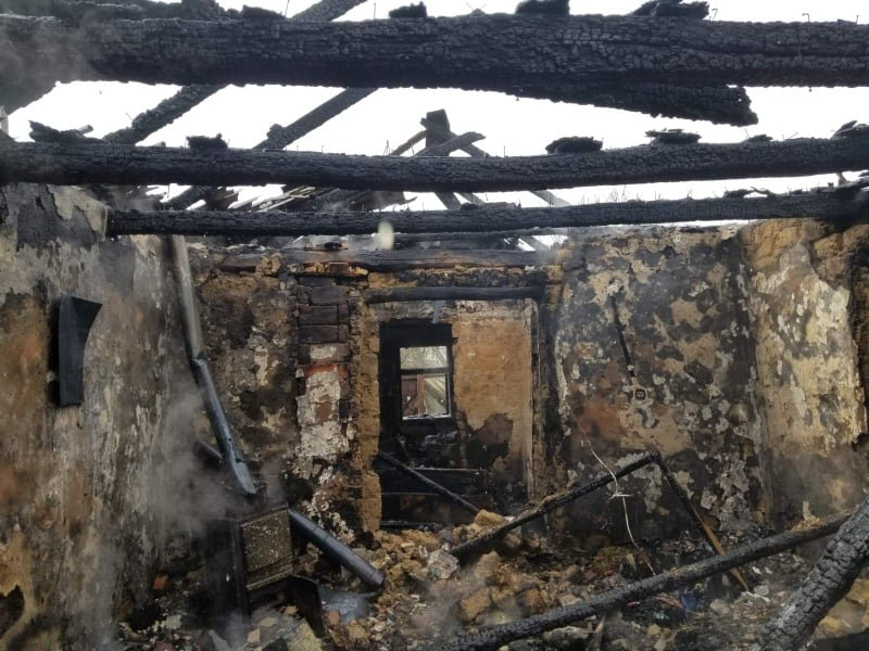 Розтопила піч - залишилася без оселі: вогонь знищив будинок закарпатки  (ФОТО), фото-3
