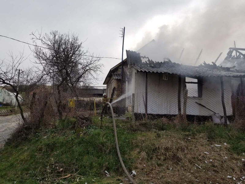 Розтопила піч - залишилася без оселі: вогонь знищив будинок закарпатки  (ФОТО), фото-2