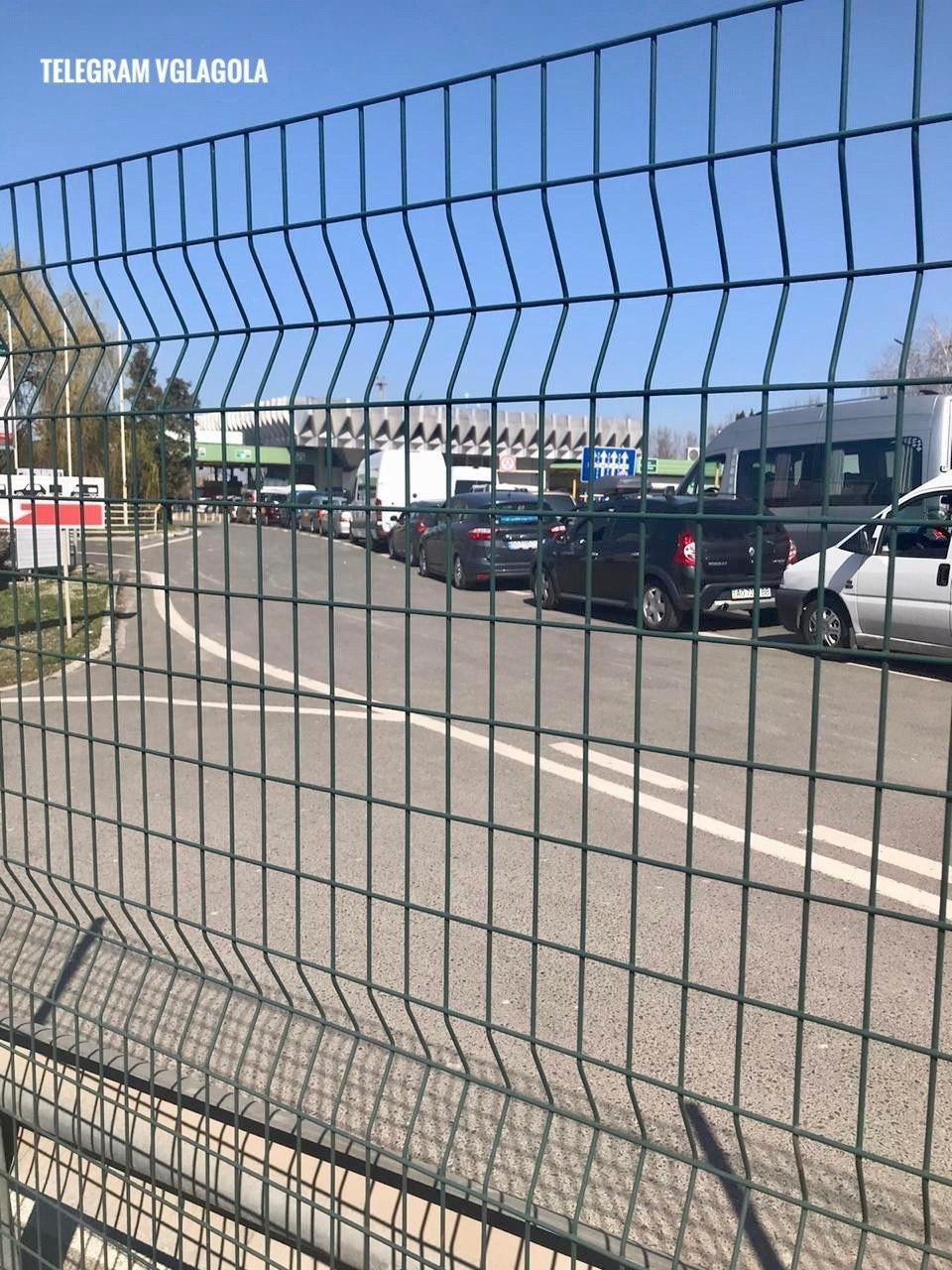 Сьогодні опівночі закривають кордони: до України намагаються повернутися тисячі громадян (ВІДЕО), фото-1