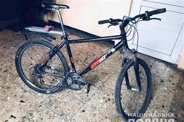 У пенсіонера з Мукачева вкрали велосипед: підозрюють ужгородця (ФОТО), фото-1