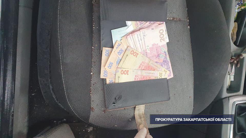 Чоловіку, якого затримали з марихуаною в Ужгороді, погодили підозру (ФОТО, ВІДЕО), фото-3