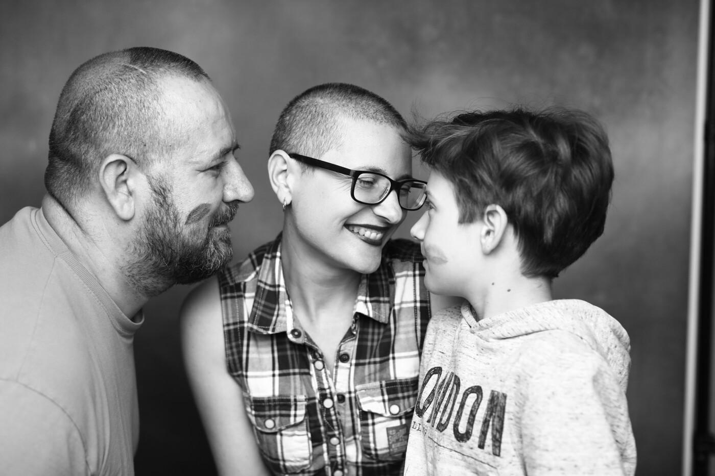 Закарпатка повністю зістригла волосся, щоб передати його на перуки онкохворим дітям, фото-2