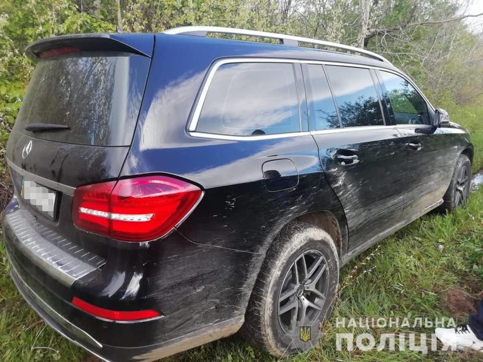 Проникли до будинку, вкрали готівку та елітний Mercedes GLS: на Закарпатті сталося гучне пограбування (ФОТО), фото-2