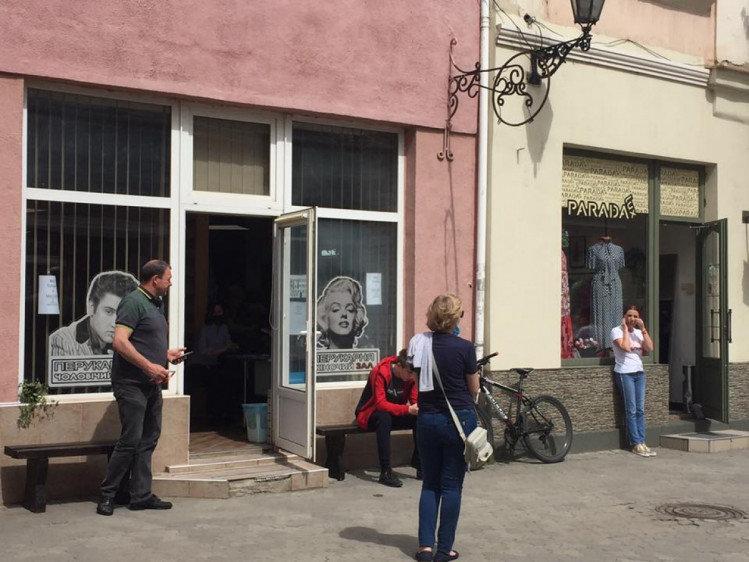 Повернувся до життя: як виглядає Ужгород в умовах послабленого карантину (ФОТО), фото-1