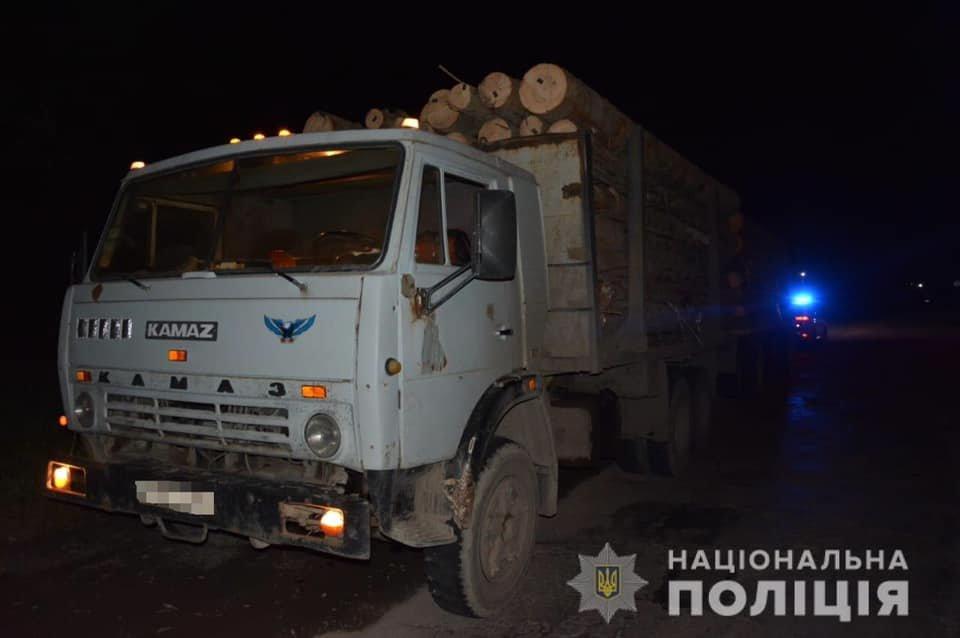 26-річний закарпатець на вантажівці насмерть збив чоловіка і втік з місця ДТП (ФОТО), фото-2