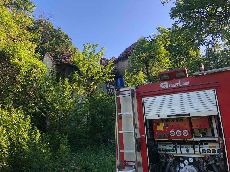 На Закарпатті палав дачний будинок: рятувальникам вдалось ліквідувати пожежу (ФОТО), фото-3