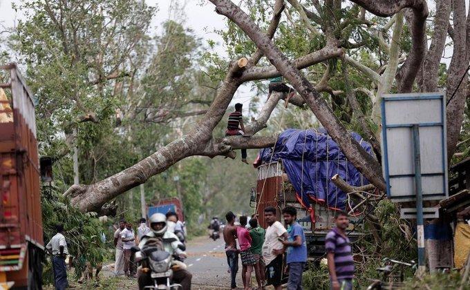 """Понад 80 осіб загинули: в Індії та Бангладеш лютує циклон """"Амфан"""" (ФОТО), фото-4"""