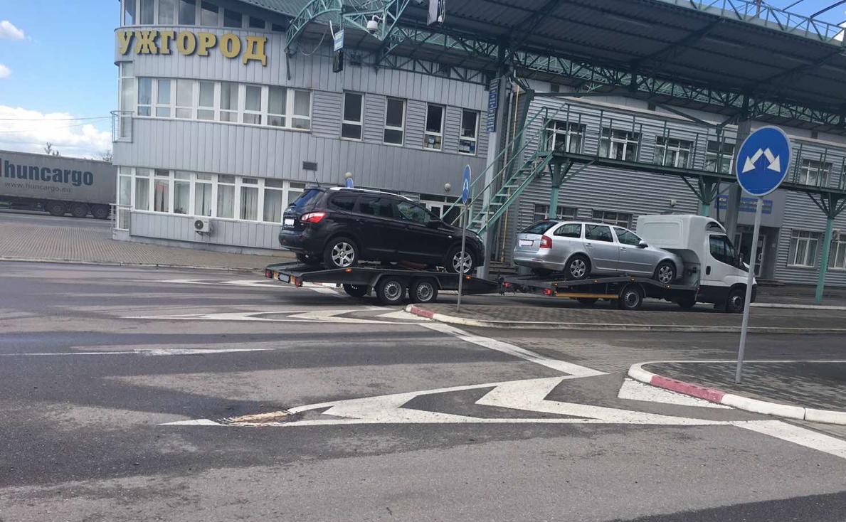 Закарпатські митники вилучили дві автівки через неправдиву ціну у документах (ФОТО), фото-1