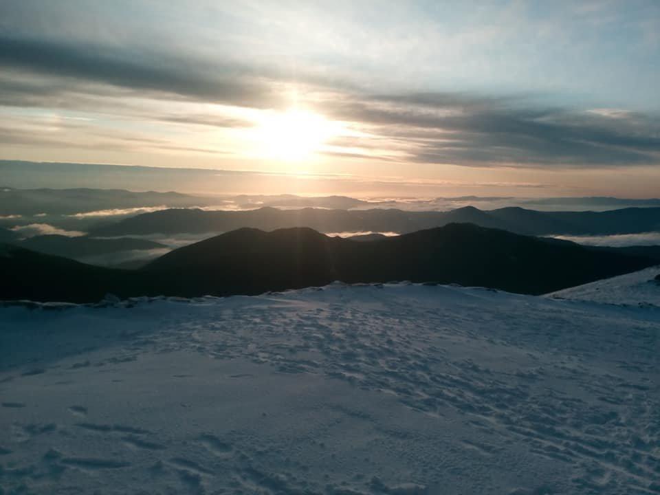 Другий день літа: у Карпатах лежить сніг, температура повітря -4 градуси (ФОТО), фото-4