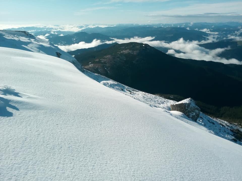Другий день літа: у Карпатах лежить сніг, температура повітря -4 градуси (ФОТО), фото-5