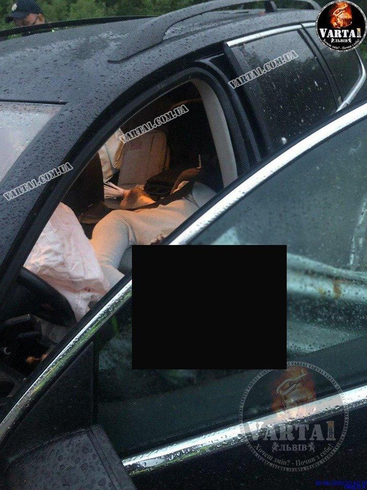 Трагічна ДТП на трасі Київ-Чоп: 30-річний водій не впорався з керуванням і влетів у відбійник (ФОТО), фото-2