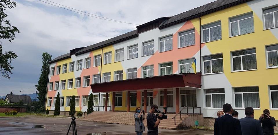 На Тячівщині завершився капітальний ремонт школи (ФОТО), фото-4