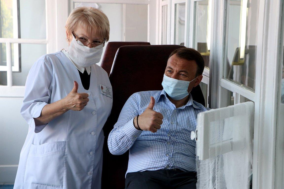 Тижневика здачі крові: голова Закарпатської ОДА став донором крові (ФОТО), фото-3