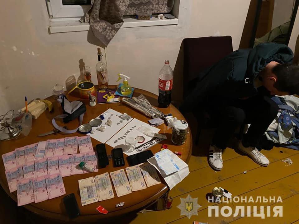 Амфетамін, марихуана та гроші: на Закарпатті затримали чергового наркоторговця (ФОТО), фото-1