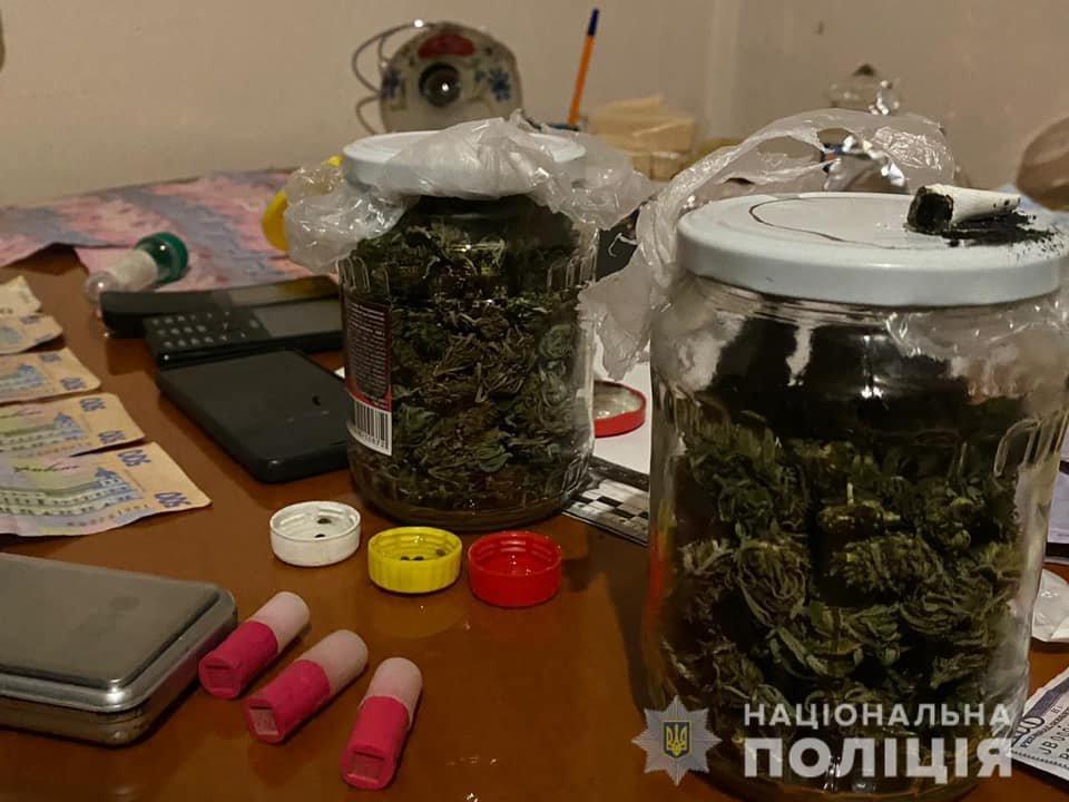 Амфетамін, марихуана та гроші: на Закарпатті затримали чергового наркоторговця (ФОТО), фото-3