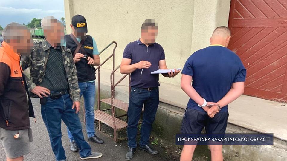На Закарпатті правоохоронці затримали «рекетира» (ФОТО), фото-2