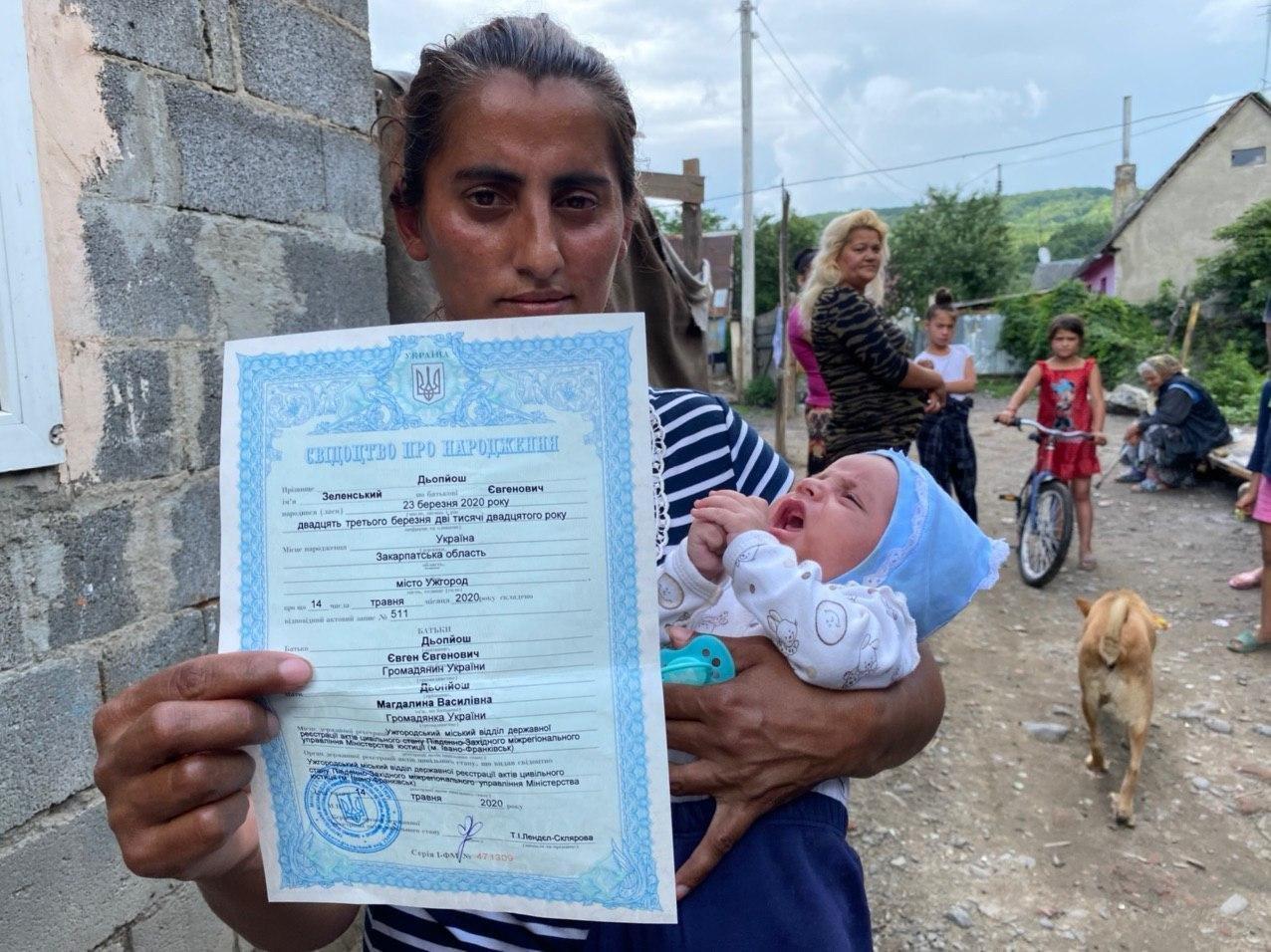 Ужгородський журналіст побував у гостях у сім'ї, яка назвала дитину Зеленський (ФОТО), фото-1