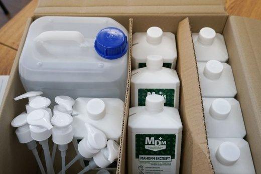 Антисептики, маски, термометри: в Ужгороді всі пункти тестування готові до проведення ЗНО (ФОТО), фото-2