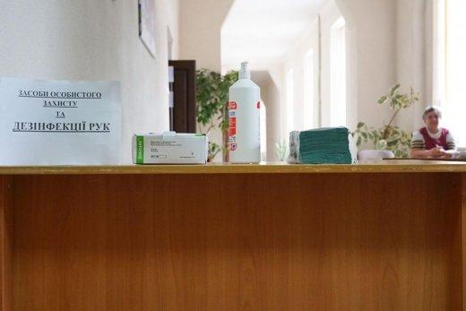Антисептики, маски, термометри: в Ужгороді всі пункти тестування готові до проведення ЗНО (ФОТО), фото-5