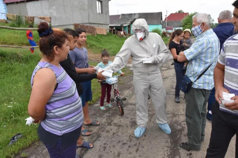 На Закарпатті у ромському таборі виявили коронавірус, фото-3