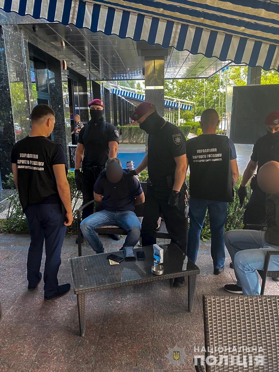 Спецоперація оперативників: в Ужгороді затримали організатора замовного вбивства (ФОТО, ВІДЕО), фото-1