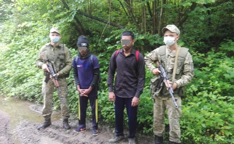 Закарпатські прикордонники затримали двох нелегальних мігрантів (ФОТО), фото-1