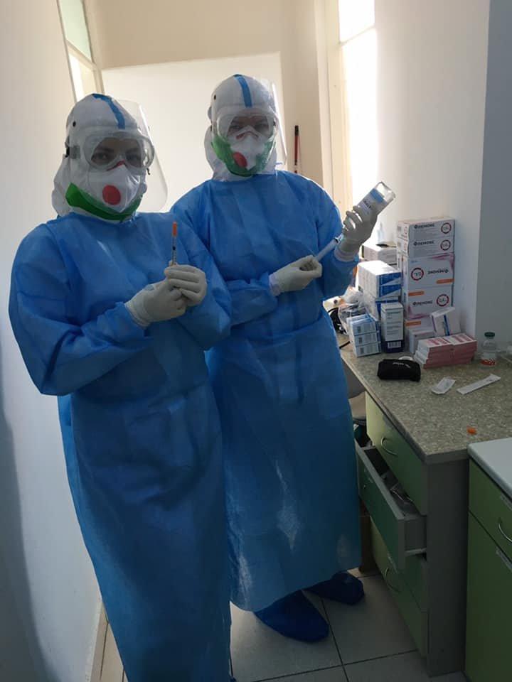 """""""Важко дихати, рухатися, а треба надавати допомогу"""" : закарпатська лікарка розповіла про роботу з хворими на COVID-19 (ФОТО), фото-3"""