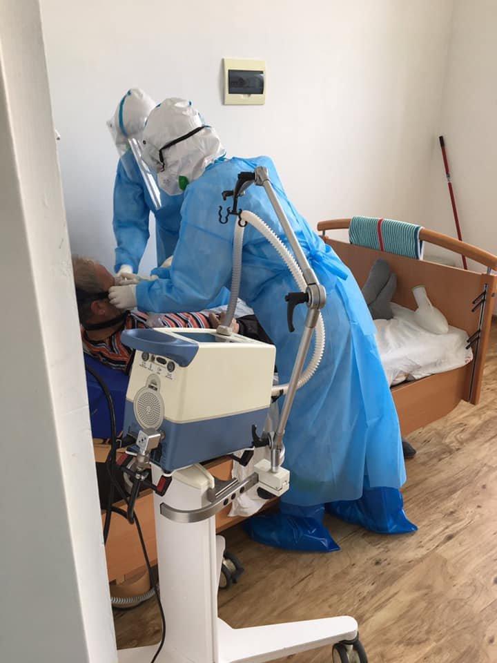 """""""Важко дихати, рухатися, а треба надавати допомогу"""" : закарпатська лікарка розповіла про роботу з хворими на COVID-19 (ФОТО), фото-5"""