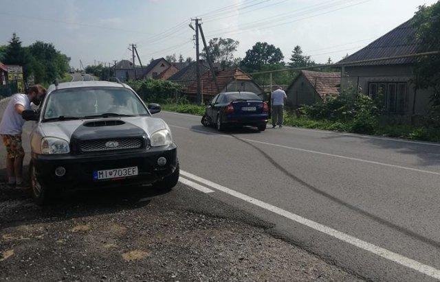 На трасі Мукачево-Рогатин зіткнулися дві іномарки (ФОТОФАКТ), фото-2